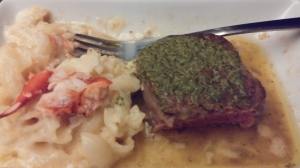 Beef tenderloin and lobster mac & cheese