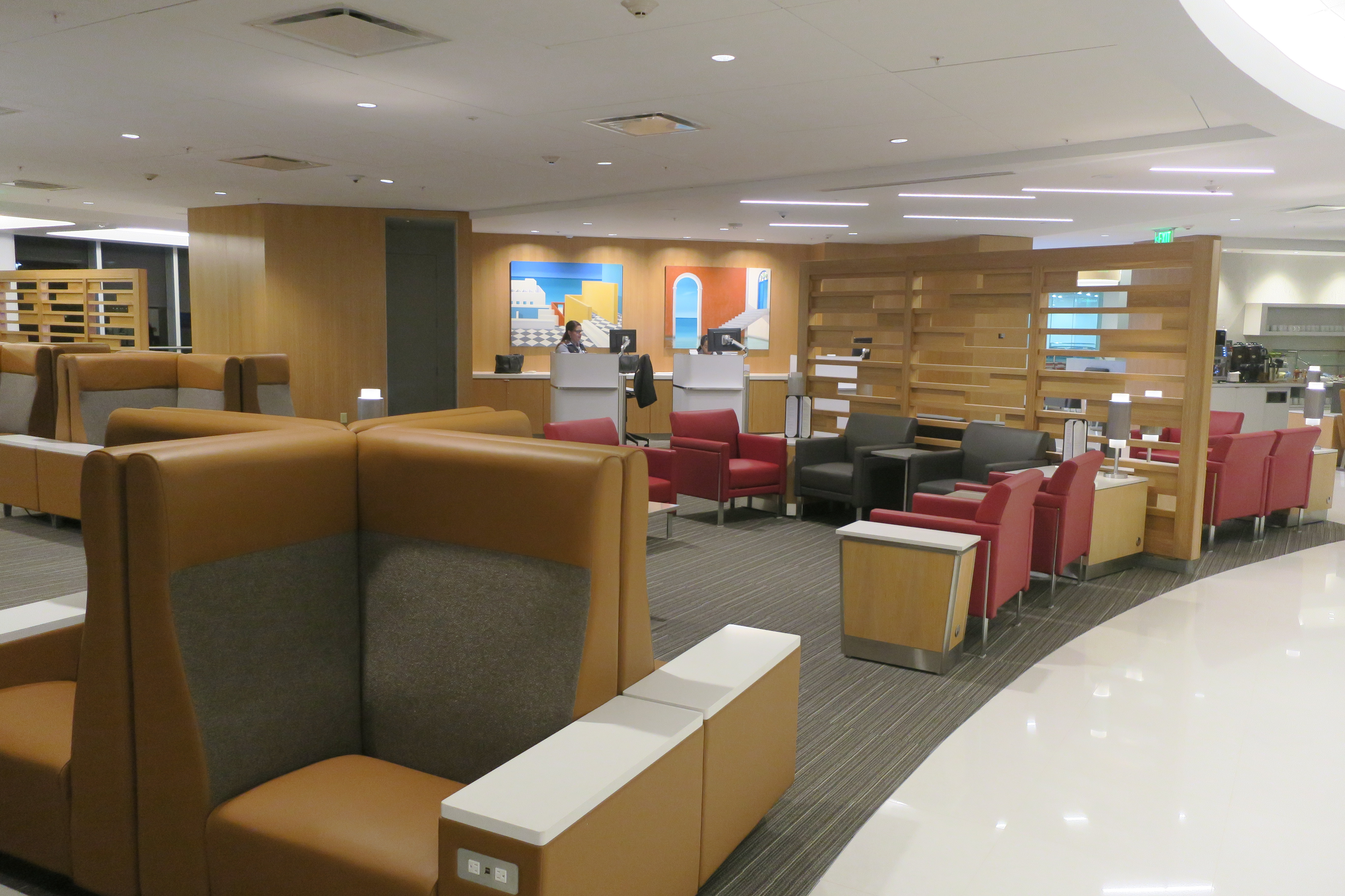 first look – american airlines renovated d-15 admirals club