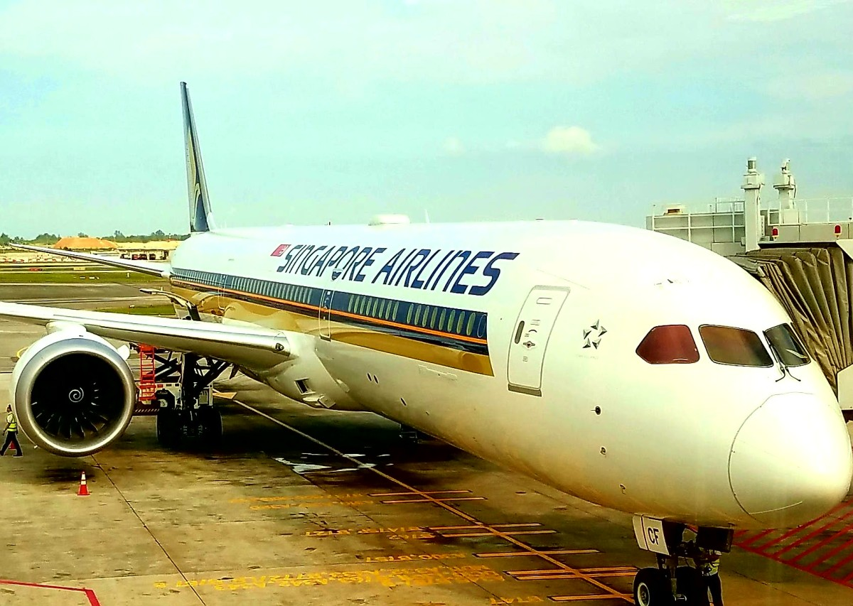 First Look – Singapore Airlines 787-10 Business Class, Singapore To ...