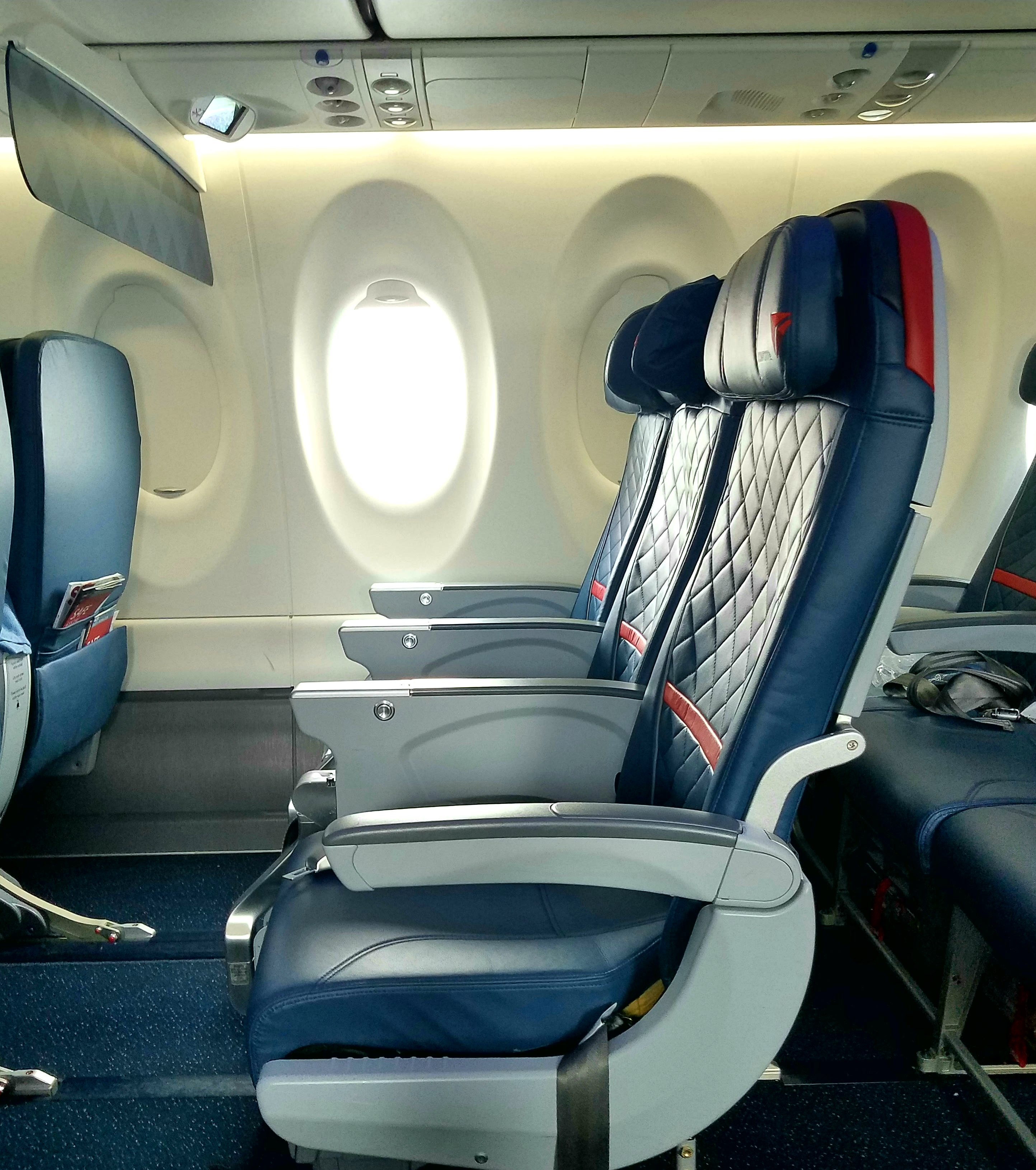 Flight Review – New Delta A220-100 Economy Class (Comfort