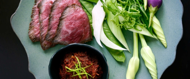 4 - COMO-Metropolitan-Bangkok_nahm_CHARCOAL-GRILLED-WAGYE-BEEF-WITH-BURNT-RELISH_updated