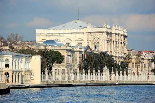 Dolmabahçe Palace served as the main administrative center of the Ottoman Empire from 1856 to 1887 and from 1909 to 1922.